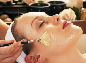 Как химический пилинг убирает морщины с кожи век: опыт косметолога