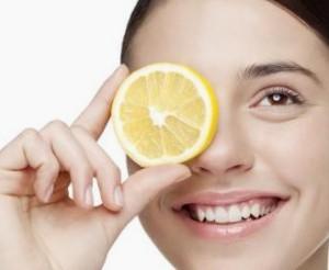 Лимон под глаза от морщин и синяков