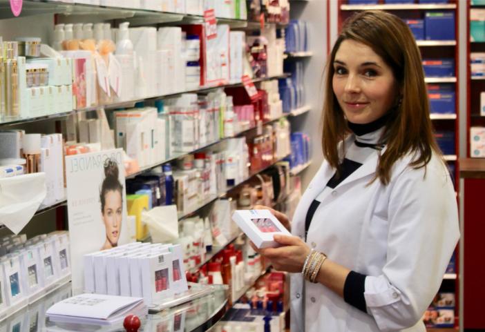 Какие аптечные средства эффективны для кожи вокруг глаз?