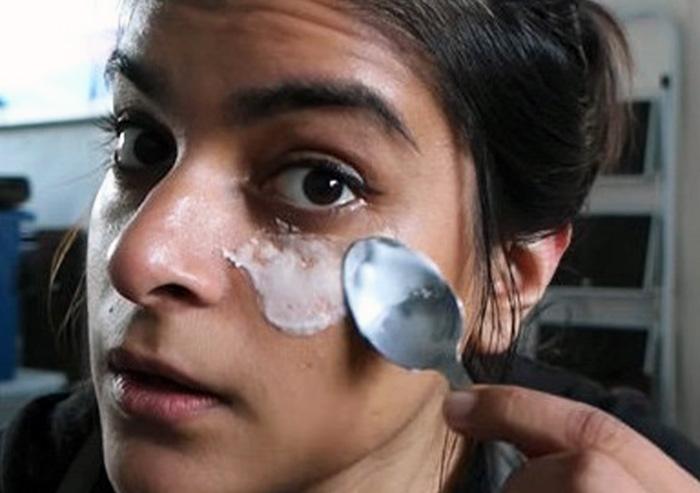Как сода убирает тёмные круги под глазами?