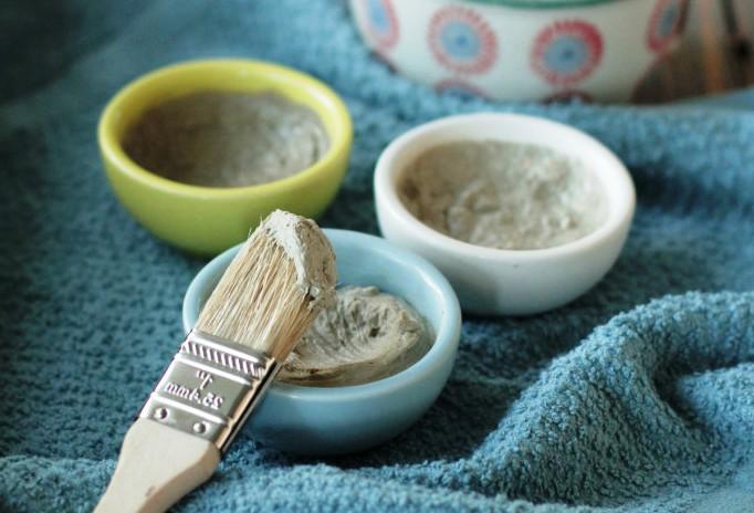 Можно ли использовать глину на коже вокруг глаз?