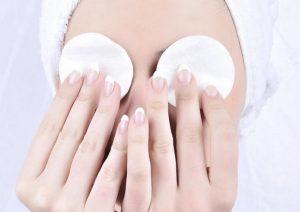 как снимать макияж с глаз