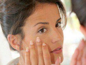убрать морщинки под глазами в домашних условиях