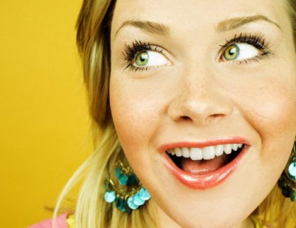 Как бороться с желтыми кругами вокруг глаз?