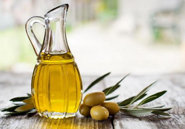 оливковое масло вокруг глаз