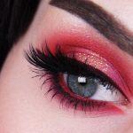 макияж с красными тенями для голубых глаз