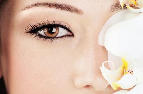 Какие масла эффективны от синяков под глазами?