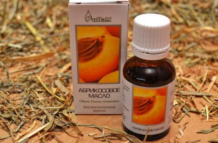 Абрикосовое масло легко найти в аптеке