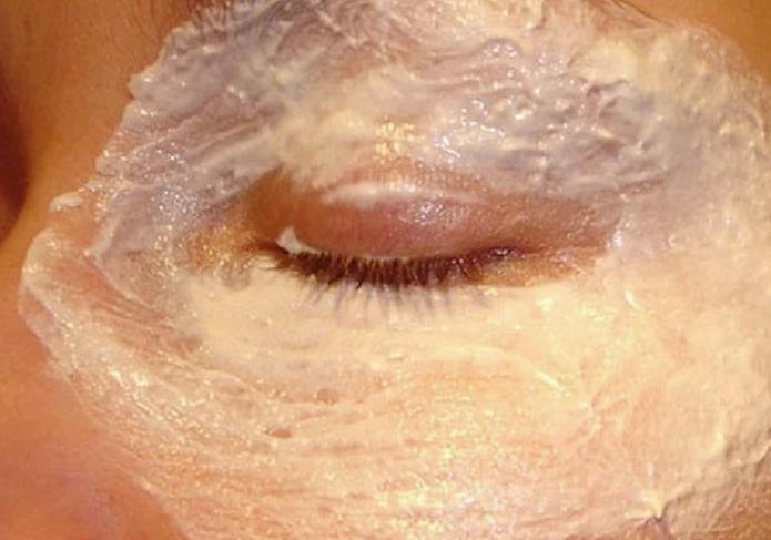 5 самых эффективных масок от морщин под глазами